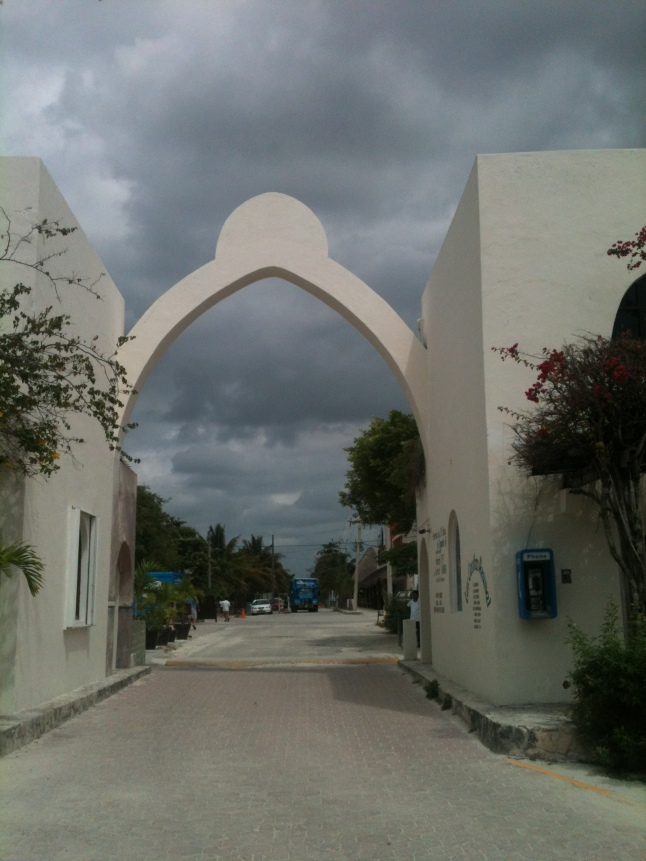 Entrance way into Akumal.