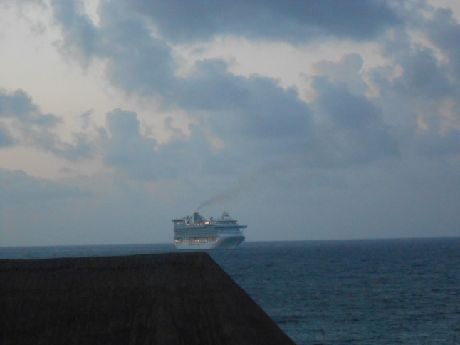 Dawn at Costa Maya 011