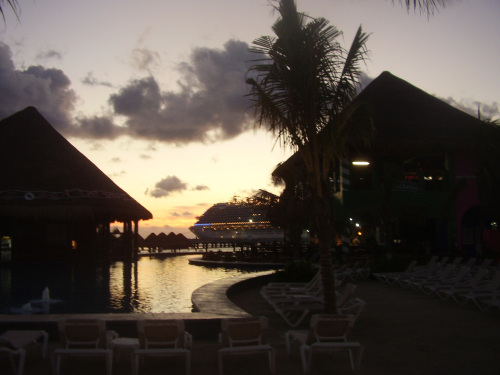 Dawn at Costa Maya Port.