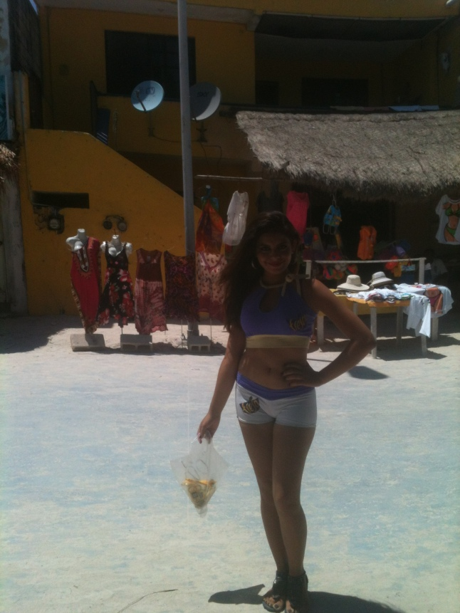 And of course every Mexican holiday has pretty women working the malecon, this is a Fresca girl.
