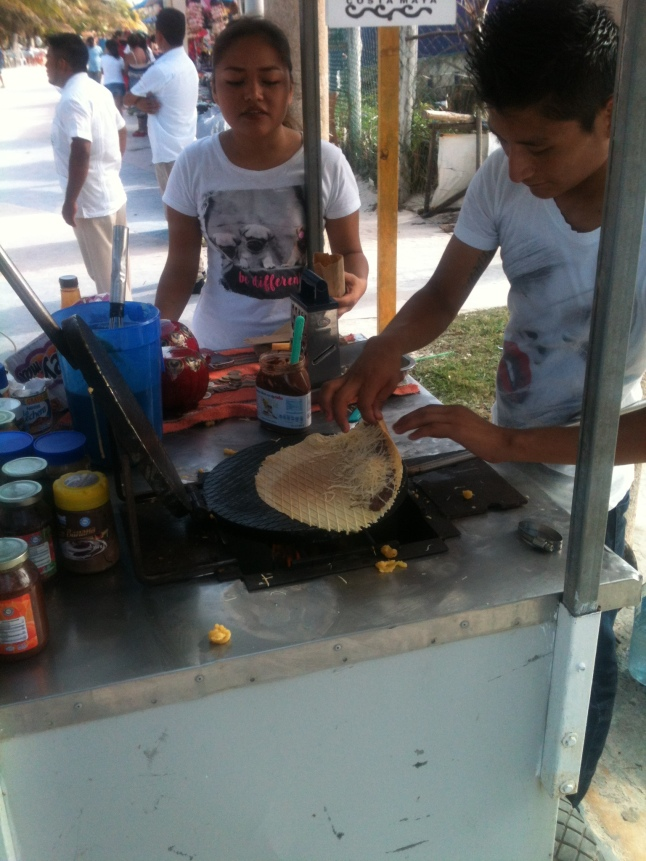 They love street food on the malecon here.