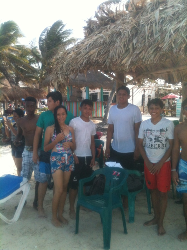 beach and corozal students 017