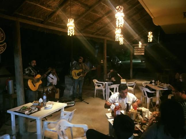 Live music at Divinos.